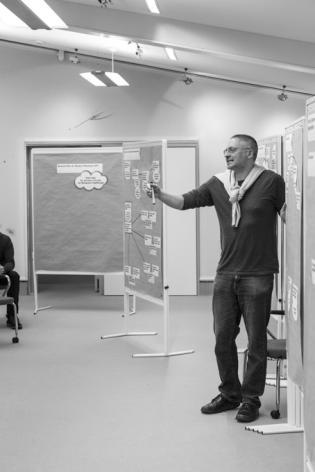 Prof. Dr. Stefan Kühl während des Metaplan Netzwerktreffens