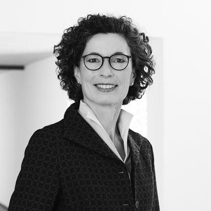 Dr. Claudia Langen